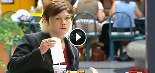 She Was Just Eating Her Lunch. Then She Saw Something Odd..