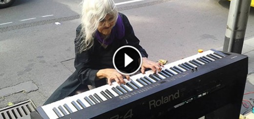 Old Lady Started Playing Piano on The Street