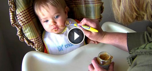 blind mom feed baby